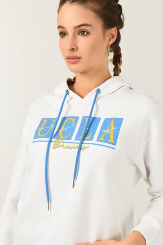 UCLA - APPLE Beyaz Oversize Kapüşonlu Baskılı Kadın Sweatshirt (1)