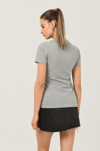 ARTESIA Gri Bisiklet Yaka Kadın T-shirt - Thumbnail (3)