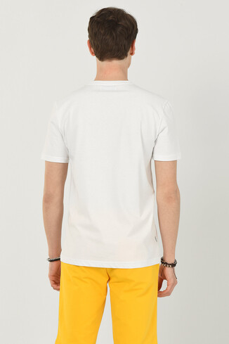 TUSTIN Beyaz Bisiklet Yaka Erkek T-shirt - Thumbnail (3)
